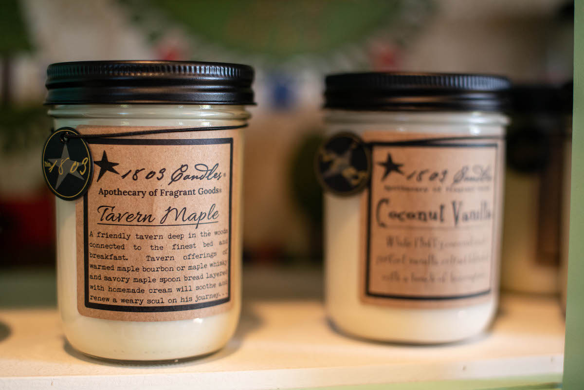 Antique Gifts and Collectables Tavern Maple Candle